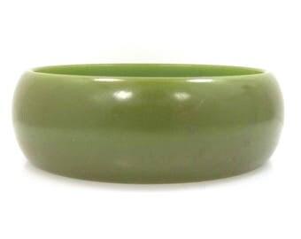 Thick & Wide Green Bakelite Bangle Bracelet