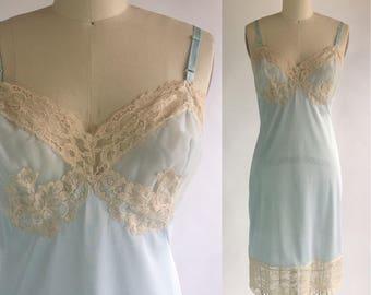1970s Vintage Pale Blue Full Slip by Vassarette div of Munsingwear Size 36