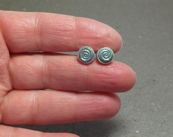 Stud Earrings 8 mm Green Spiral Hypo Allergenic Simple Post Earrings