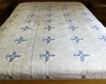 Queen  size Machine quilted Quilt