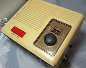 Retro 70's Magnavox 080 Alarm Clock Radio AM/FM