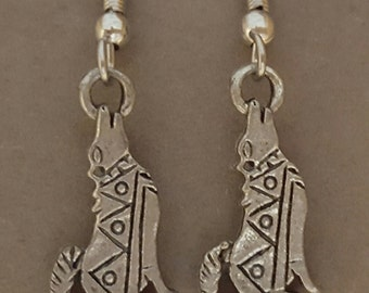 Howling Coyote Earrings Pewter