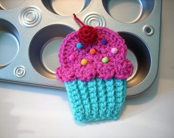 Cupcake applique Lot of 4 turquoise hot pink frosting cherry sprinkles crochet string into Birthday Party Banner use hat headband purse bag