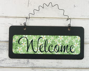 WELCOME SIGN Wooden Metal Cute Daisy Flowers Chalkboard Small Wire Hanging Door Sign