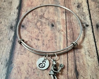 Tennis player initial bangle - tennis jewelry, gift for tennis player, tennis bangle, tennis coach jewelry, sports jewelry, coach gift