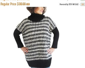 50% CLEARENCE NEW! Black & White Turtleneck Sweater by Afra