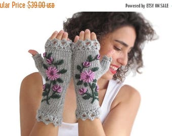 WINTER SALE Stumpwork Gloves Mittens - Grey Main Color