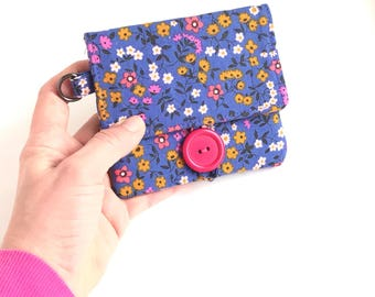 purple card organizer simple vegan wallet. periwinkle floral ladies minimalist card case. fabric cotton material little small wristlet