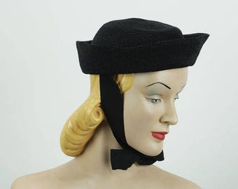 Vintage 1930s Hat Black Straw Cuff Style Beanie with Ribbon Ties NWT Sz 21
