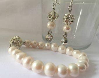 Bride Pearl Set, SET Brides Ivory Freshwater Pearl  Bracelet and Earrings , Bridesmaid Gifts Jewellery