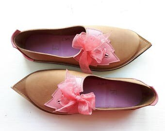 UK 7, Womens pointed fairy leaf shoes, spell bound PYRAMUS #3232 beeswax, scumble rosie pink