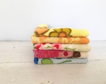 5pc lot of Vintage Terry Washcloths- Bright, Floral, Set