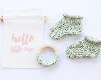 Newborn booties, pregnancy announce, cotton baby booties, pregnancy reveal, baby booties, new baby, baby announcement, baby shower gift