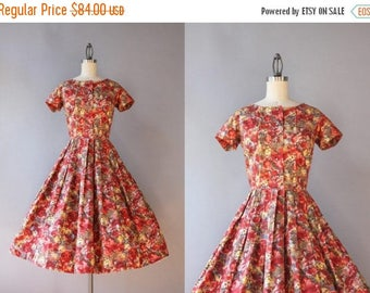 STOREWIDE SALE Vintage 50s Dress / 1950s Dress / 50s Full Skirt Pleated Cotton Floral Dress Small S