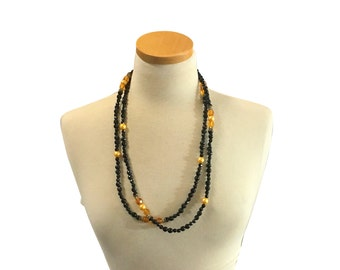 Costume Jewelry Necklace | 1920s Vintage Fashion | Flapper Girl Style | Beaded Long Strand | Glass Beads | Boho Fashion