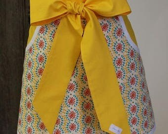 Pioneer Woman Fabric - Vendor Apron - Personalized Apron - Baking Apron - Teachers Apron - Half Apron - Bakery Apron - Mothers Apron - Apron