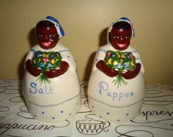 Charming Vintage Black American Mammy Aunt Jemima Large Salt & Pepper Shakers