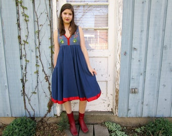 S-M Retro Embroidered Floral Country Dress// Blue Circle Skirt// Upcycled// Small Medium// Spring Summer//emmevielle