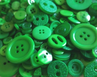 Green Buttons - Sewing Bulk Button Assorted Round - 100 Buttons - Emerald - CHRISTMAS