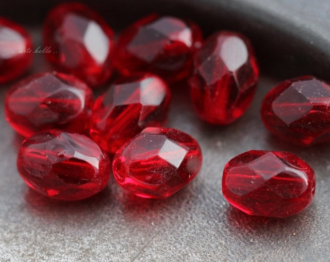 SIMPLY REDS .. NEW 10 Fire Polished Czech Glass Oval Beads 6x8mm (5565-10)