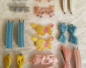 Lot of 9 pair of vintage pastel barrettes- bunnies bows flowers puppies ducks more in Band-Aid tin