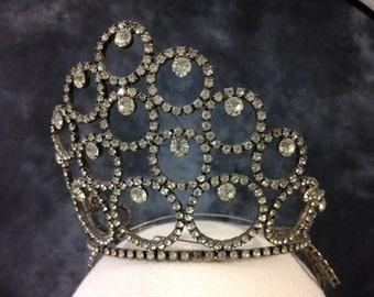 Vintage 1960's tiara beauty pageant crown