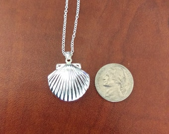 Silver Scalloped Shell Necklace
