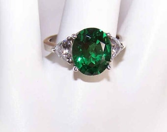 Vintage Ring, STERLING SILVER, Sterling Ring, Silver Ring, Rhinestone, Rhinestone Ring,  Emerald Green, Fashion Ring, Emerald Solitaire
