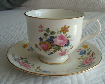 Pretty Fine Bone China Teacup and Saucer, Sadler Wellington Teacup, Made in England, English China, Coffee Cup, Pink Roses, Flowers, Floral