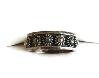 Sterling Silver Band Ring with Sun Symbols – Vintage Mexico Signed Size 5.75