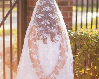 VIntage-Inspired Chantilly Communion Veil, First Communion Veil