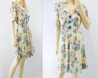 1970s Floral Dress Cream Floral Dress 70s does 1940s Dress Blue Floral Dress Yellow Mauve Dress 40s Style Day Dress 70s Vintage Dress m