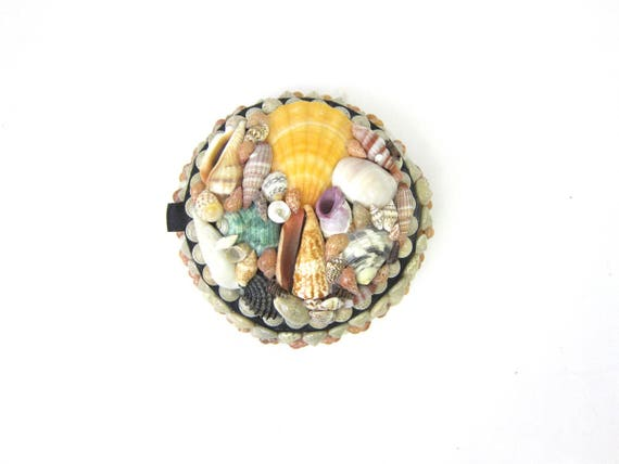 Vintage shell folk art Seashell Box Small trinket case Jewelry Box Home Beach Decor