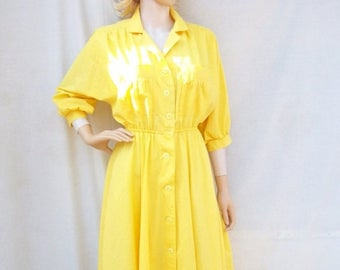 ON SALE 80s Sunny Yellow Dress size Small Medium Shirtwaist Dress Full Skirt