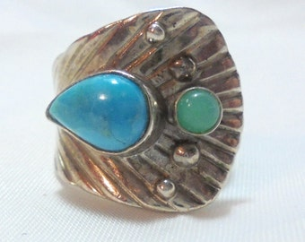 Ornate Sterling Silver Ring with Turquoise and Emerald Stone