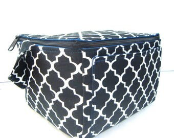 Super Large 6 inch Depth Fabric Coupon Organizer  - With ZIPPER CLOSER Black Latice Quatrefoil
