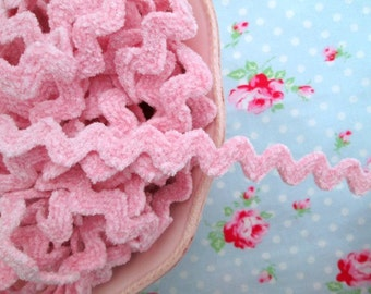 Chenille Ric Rac Trim - Pink Sugar - 5/8 inch - 2 Yards