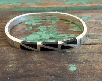 Vintage Mexico Hinged Bracelet Black w/Lightening Bolt Silver plated