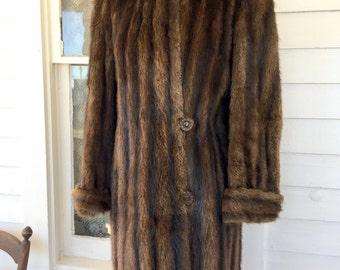 Vintage Dyed Muskrat Fur Coat Size Brown Fur Big Buttons Knee Length VGC Sz M