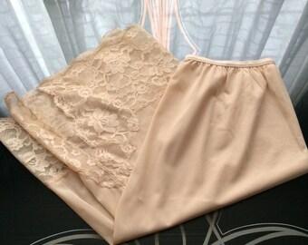 1960's Vintage Vanity Fair Beige Cream 1/2 Slip~Pillow Tab~Lace Panel & Slit