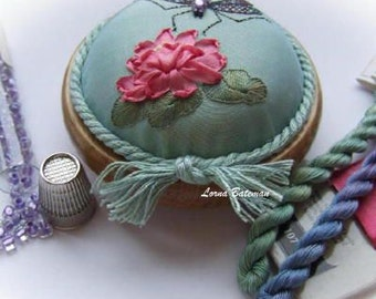 PP12 Dragonfly on Waterlily turquoise pincushion kit