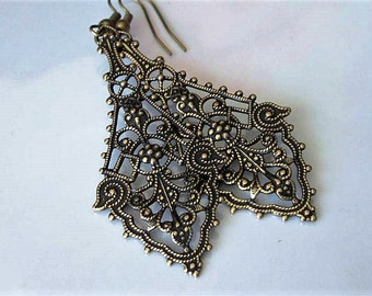 Victorian Filigree Earrings Antiqued Gold, Bridal Jewelry, Diamond Shaped, Elegant Drop Earrings, Romantic Dangle Earring, Filigree Earrings