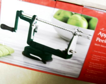 Apple Peeler Cores, Peels, Slices Fruit or Vegtables Holiday Kitchen Gift Quick n Easy with Instuctions and Recipes Lightening Fast Shipping