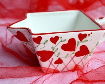 Valentines Day Creamer Pitcher - Mesa International Red Hearts and Flowers - New Hampshire