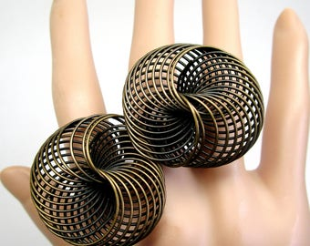 Vintage Abstract Swirled Slinky Space Age Saucer Ring Hipster Biker Rocker Adjustable Mod Modern Big Brutalist Rustic Infinity Ring