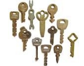 12 vintage flat keys Antique keys Old skeleton keys Flat keys Old odd keys Little skeleton keys Vintage keys Skelton keys Small key Unique 2