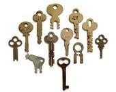 12 Vintage flat keys Lots of keys Key lot Art keys Crafting keys Small jewelry keys Old odd keys Unusual keys Unique keys Small keys #5