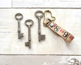 3 vintage heart skeleton keys Antique heart keys Heart keys Skeleton heart keys Key to my heart Valentine Sweetheart Christmas gift HK #24