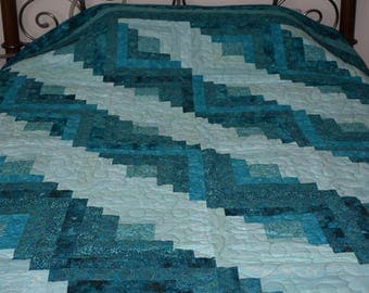 Beautiful Traditional Teal Log Cabin Quilt