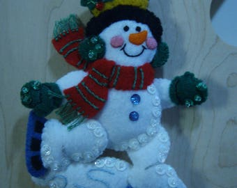 Bucilla Felt SNOWMAN SKATER CHRISTMAS Ornament from the Winter Fun Collection